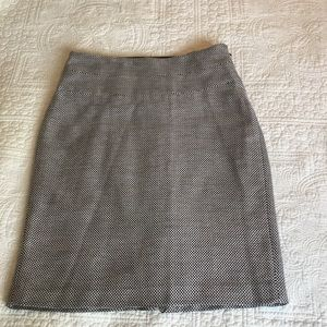 The Limited Brown and White Pattern Skirt. Size 2.